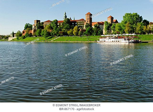 Passenger Ship on the Vistula River, Wawel Hill in Cracow, UNESCO World Heritage Site, Poland, Europe
