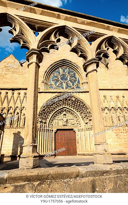 Church of St. Mary in Olite at evening framed by an arch, Navarre, Spain