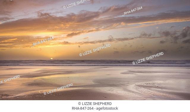 Sandymouth Beach at sunset, Cornwall, England, United Kingdom, Europe