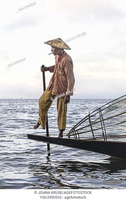 Fisherman, Inle Lake, Myanmar, Asia