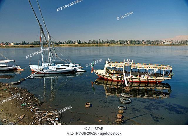 FELUCCAS & PASSENGER FERRY BOAT; RIVER NILE, LUXOR, EGYPT; 13/01/2013