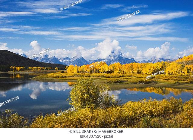 Oxbow Bend at sunrise, Snake River, Grand Teton National Park, Wyoming, USA