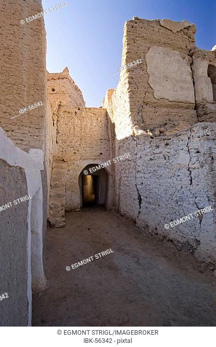 Narrow lane in the historic center of Ghadames, Ghadamis, Unesco world heritage site, Libya