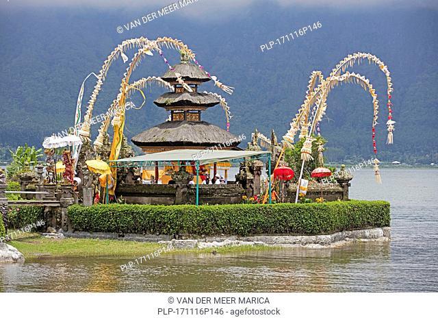 Pura Ulun Danu Beratan / Pura Bratan, Shaivite water temple on the shores of Lake Bratan near Bedugul, Bali, Indonesia