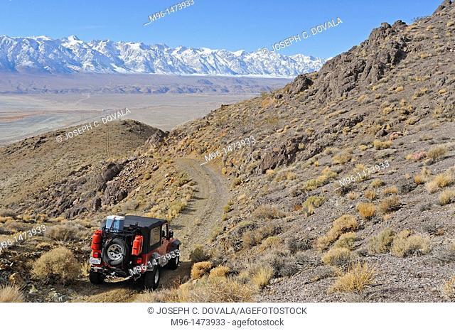 Jeep makes its way down Swansee Road, Inyo Mountains, California, USA