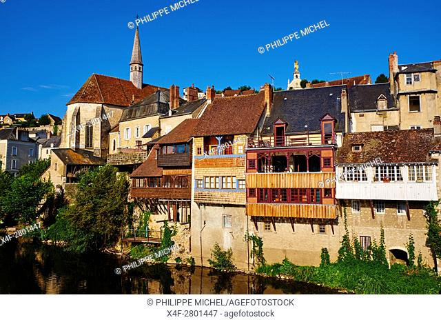 France, Indre (36), Argenton-sur-Creuse, old houses on the river bank Creuse