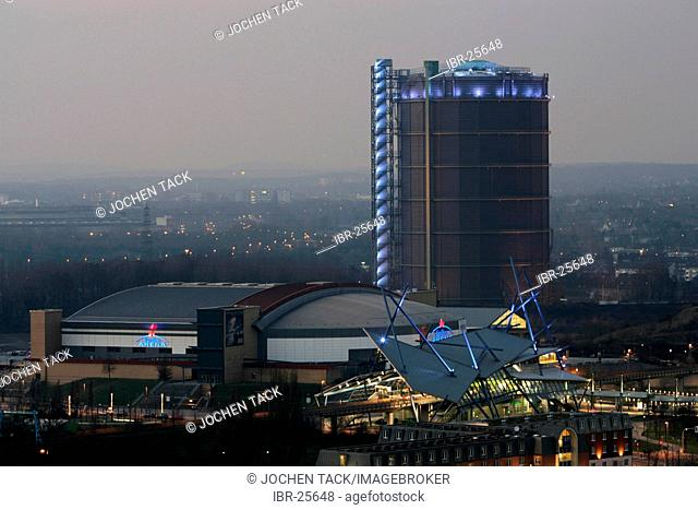 DEU, Germany, Oberhausen : The Gasometer, Koenigs Pils arena, Bus and tram station at the Centro Mall