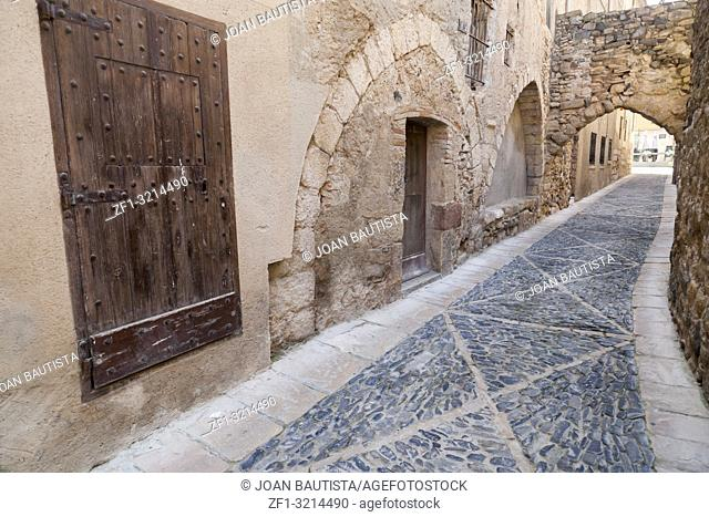 Narrow street in Jewish quarter of Montblanc, province Tarragona, Catalonia, Spain