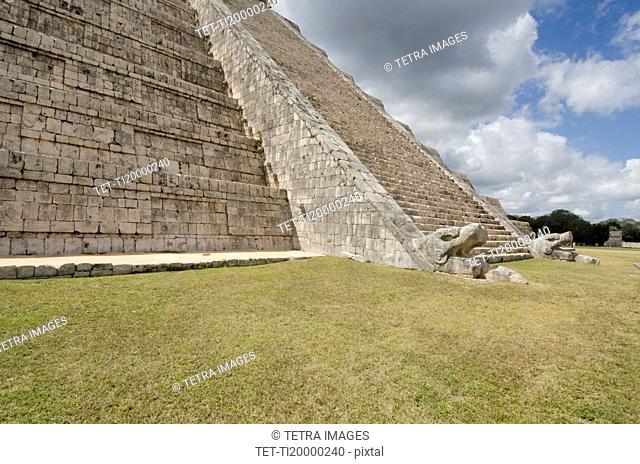 Ancient Mayan pyramid of Kukulkan
