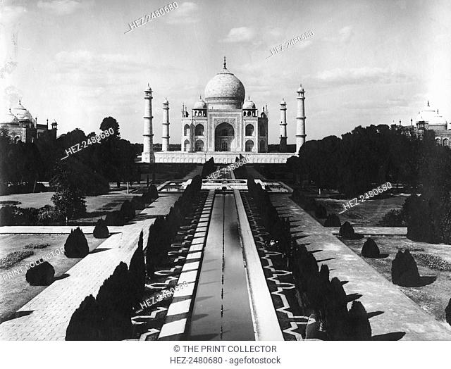 Taj Mahal, Agra, Uttar Pradesh, India, late 19th or early 20th century. The great marble mausoleum built by Shah Jahan (1592-1666), Mughal emperor