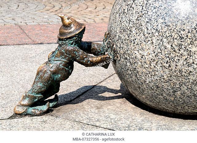 Poland, Wroclaw, Wroclaw's dwarfs, former symbol of resistance, Sisyphus