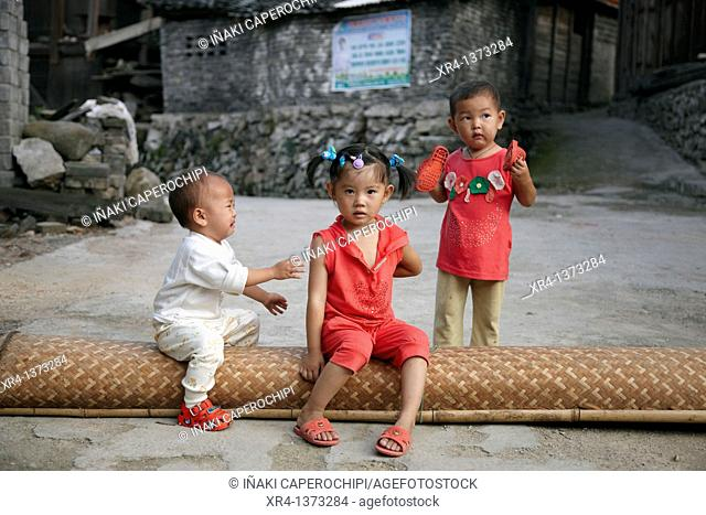 Street children, Shiqiao, Guizhou, China