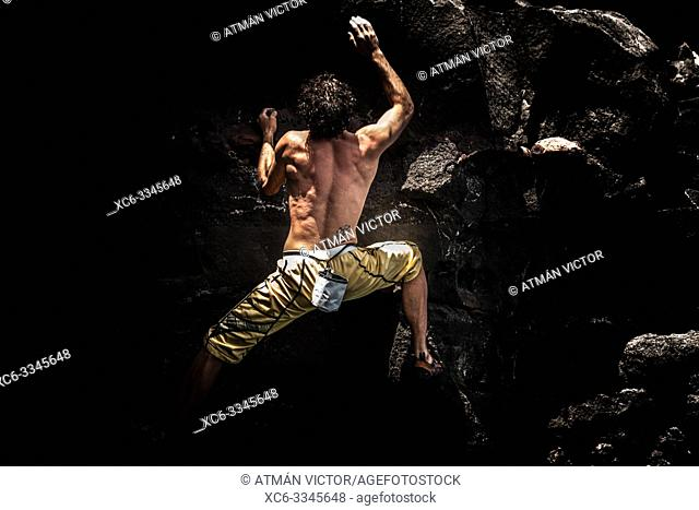 Deep-water soloing in Tenerife island