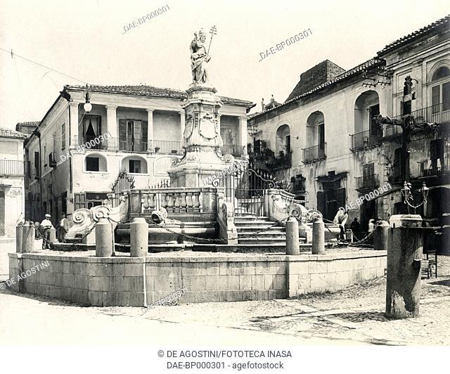 Monument to Pope Benedict XIII, Benevento, Campania, Italy, photograph from Istituto Italiano d'Arti Grafiche, Bergamo, 1904-1905