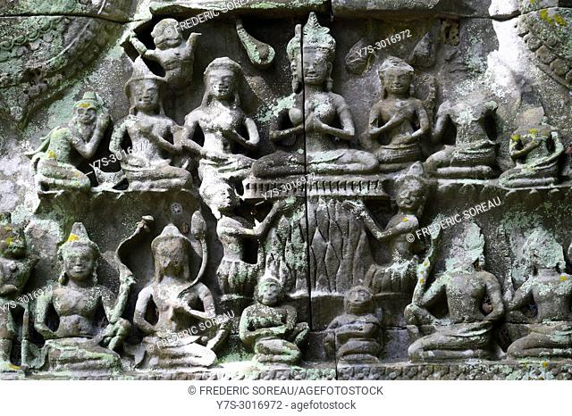 Bas relief carvings at the hidden jungle temple of Beng Mealea, Cambodia, South East Asia, Asia