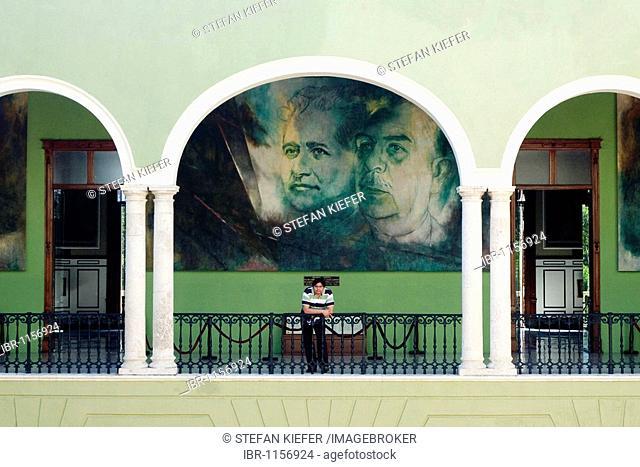 Governor's palace, Palacio de Gobierno, with paintings by Fernando Castro Pacheco, in Merida, Yucatan, Mexico, Central America