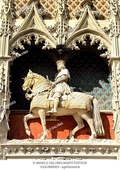 Statue of Louis XII at Chateau de Blois, Loire et Cher, Pays de la Loire, Loire Valley , UNESCO World Heritage Site, France.