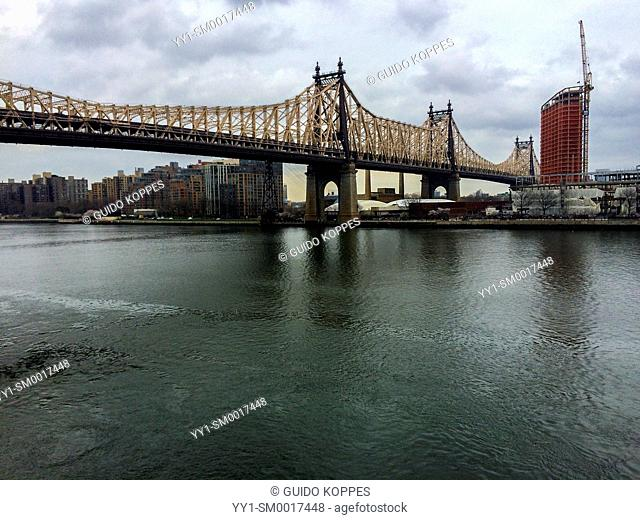 New York City, USA. View on the Queensboro / Ed Koch Bridge from Roosevelt Island in the East River