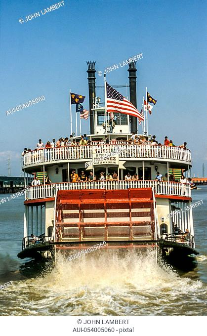 usa, louisiana, new orleans paddle steamer