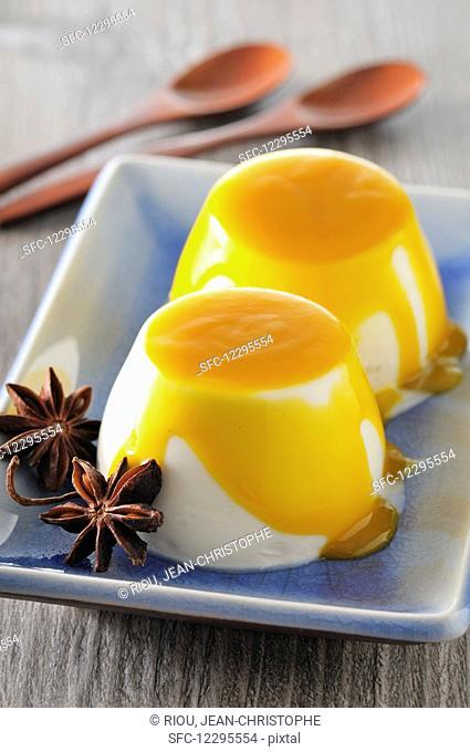 Pannacotta with mango sauce