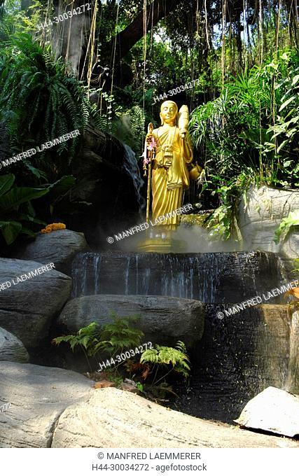 Asien, Thailand, Bangkok, goldene Buddhafigur auf dem Weg zum Golden Mount Wat Saket