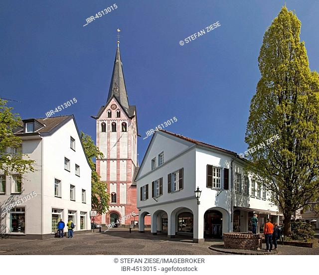 Church Propsteikirche in the historic centre, Kempen, Lower Rhine, North Rhine-Westphalia, Germany