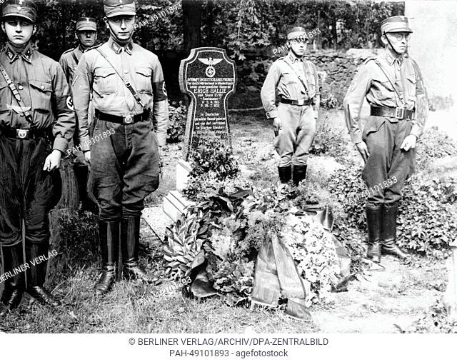 Members of the SA (Sturmabteilung) take part in a guard of honor at the grave of Erich Sallie, who was killed during fights with Social Democrats in Leipzig and...