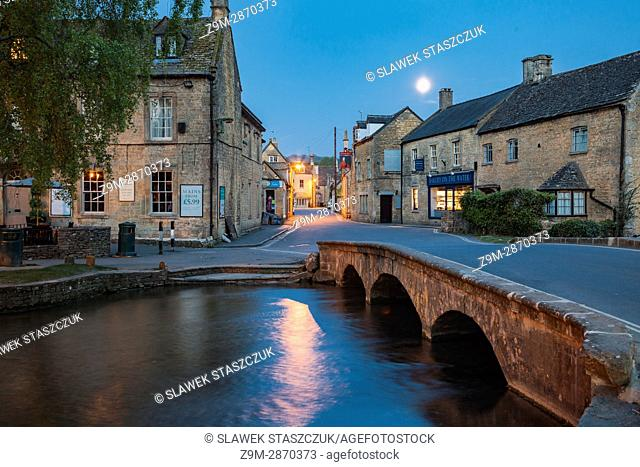 Spring dawn in Bourton-on-the-Water village in the Cotswolds, Gloucestershire, England