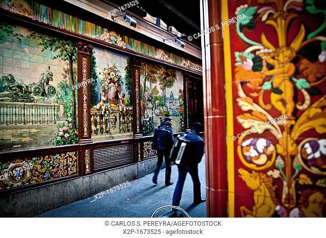 Decoration in Calle de Alvarez Gato street, ¨Callejon del Gato¨, Barrio de las Letras district, Madrid, Spain