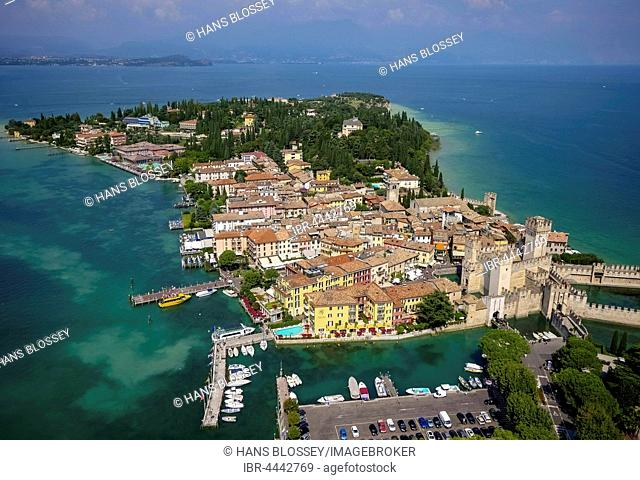 Scaliger Castle, Sirmione, peninsula, Lake Garda, Lombardy, Italy