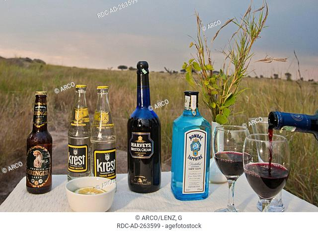 Sundowner Bar red vine Serengeti national park Tanzania