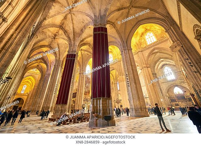 Interior of the Seville Catheral and La Giralda, UNESCO World Heritage Site, Seville, Andalusia, Spain, Europe