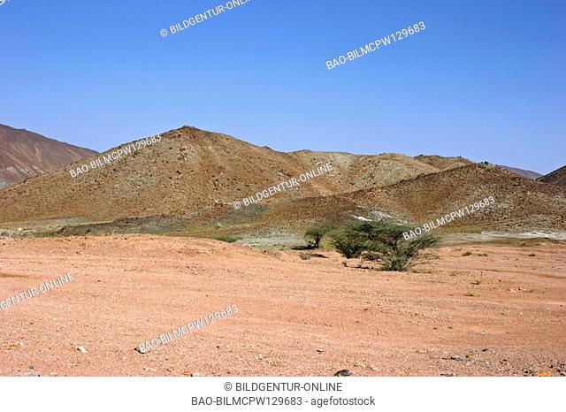 Oman Haja mountains close Suma'il passport, mountains close to Suma il Pass waste land of Hajar Al Gharbi to rank