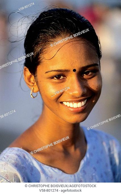 Young woman, Marina Beach, Chennai, Tamil Nadu, India