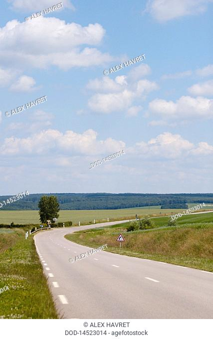 France, Giverny, Dieppe, Empty road through landscape