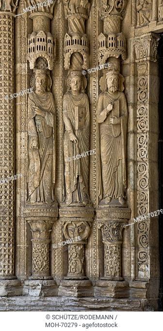 Bourges, Kathedrale. Südportal. Bekrönte Heilige am linken Gewände
